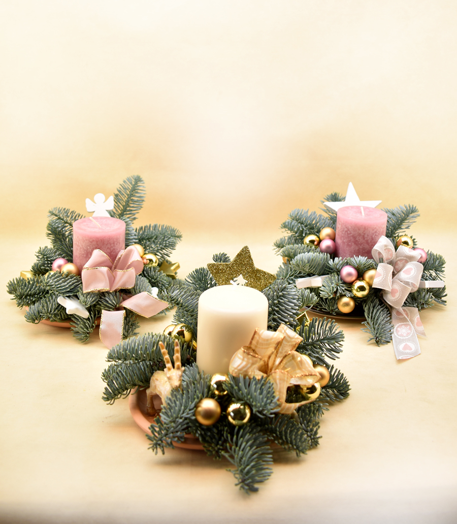 Adventsgesteck, rosa oder weiß, Nr. 2